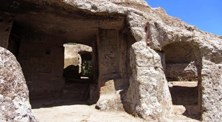 Escursione alle Grotte monastiche di S. Leonardo a Vallerano