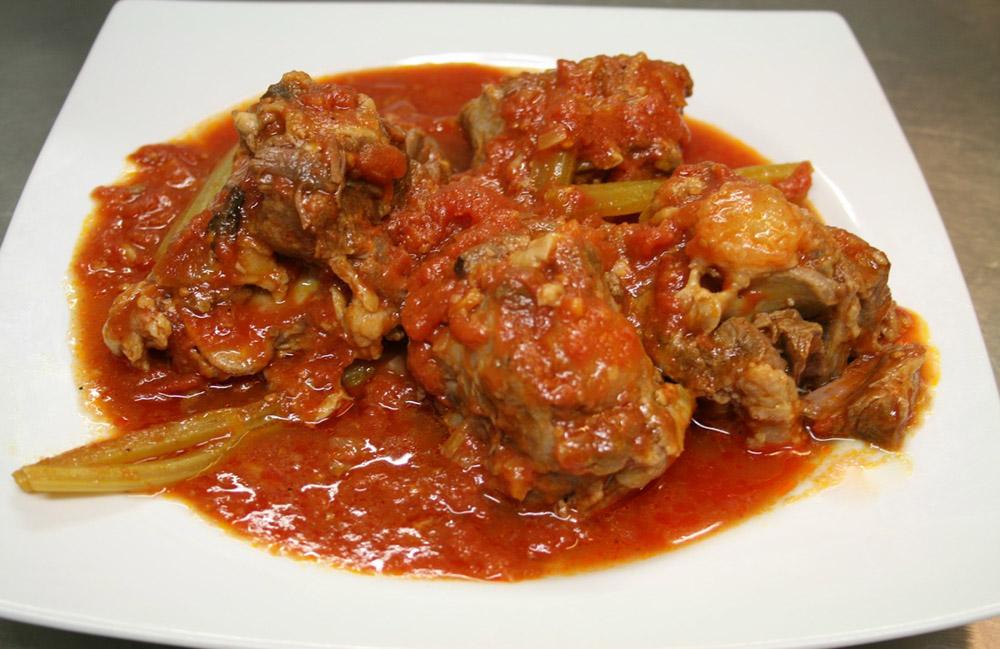 La ricetta coda alla vaccinara il piatto della cucina for Piatto della cucina povera