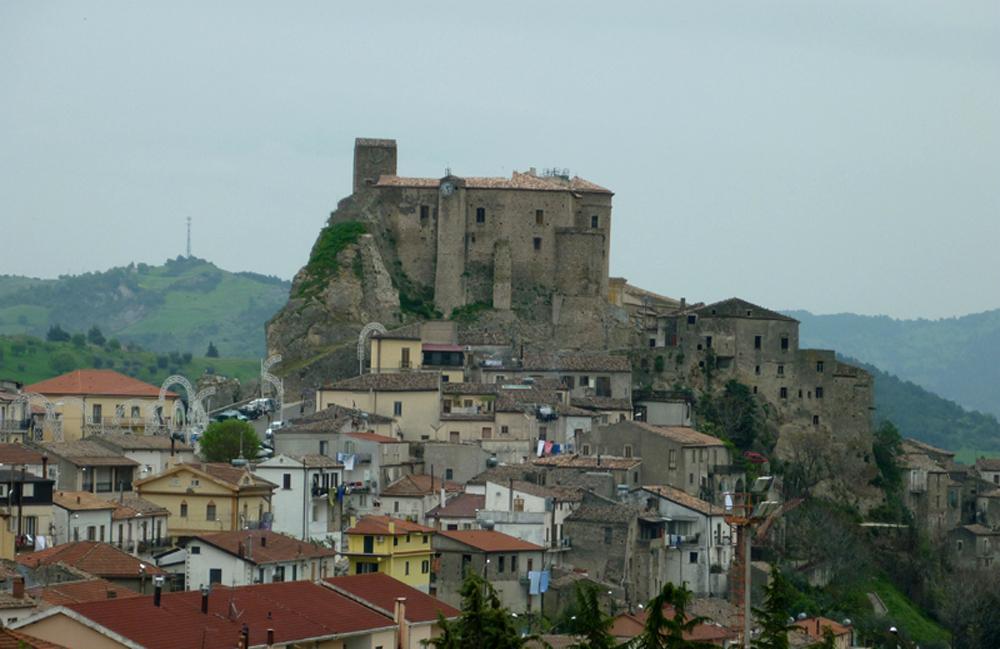 Matrimonio Oriolo Romano : Oriolo romano tutte le novità sulla nuova raccolta
