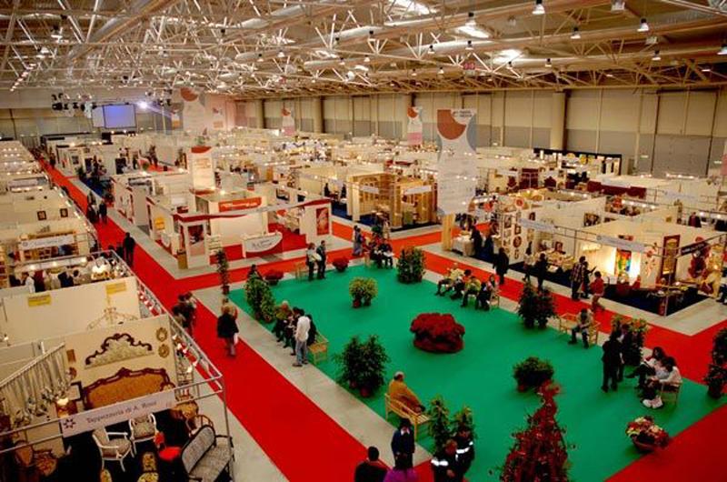 arti e mestieri expo vetrina natalizia per i prodotti
