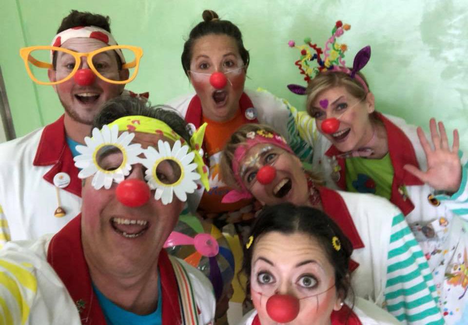"""f4496d0a180cf4 Giornata del Naso Rosso con i clown di corsia """"Goji vip Viterbo ..."""