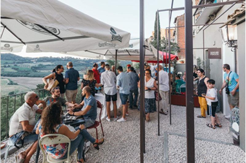 A Celleno La Terrazza Gourmet Con Vista Di Andrea Sterpino
